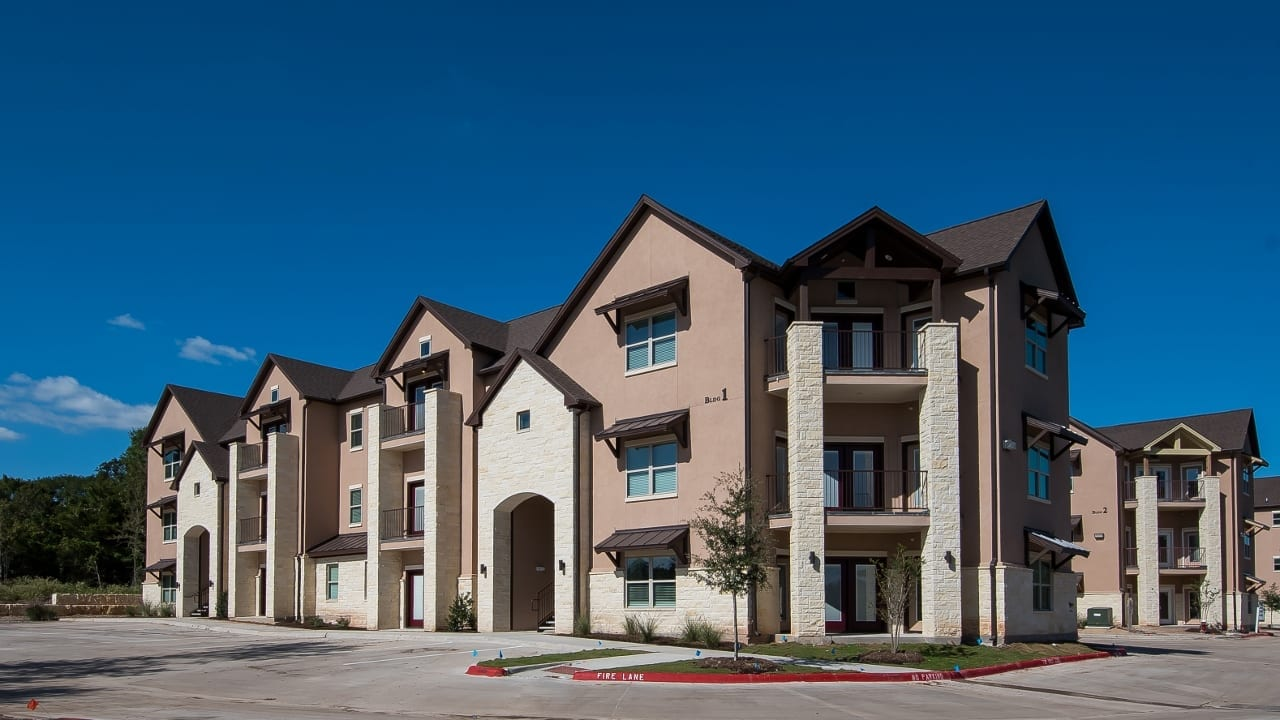Pet Friendly Gated Luxury Living Minutes from Texas…