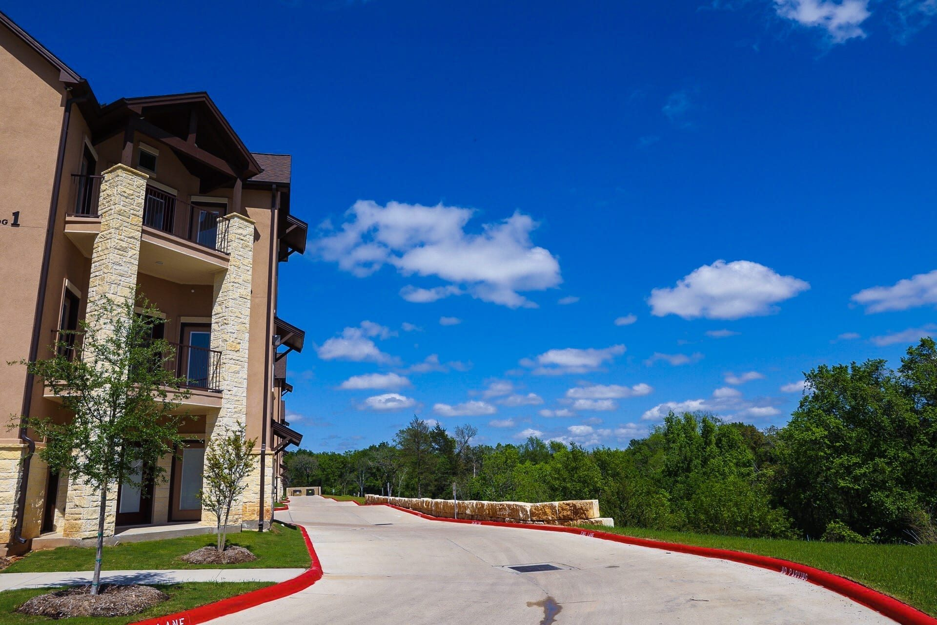 Gated Living, Amazing Views, Pet Friendly, Minutes from…