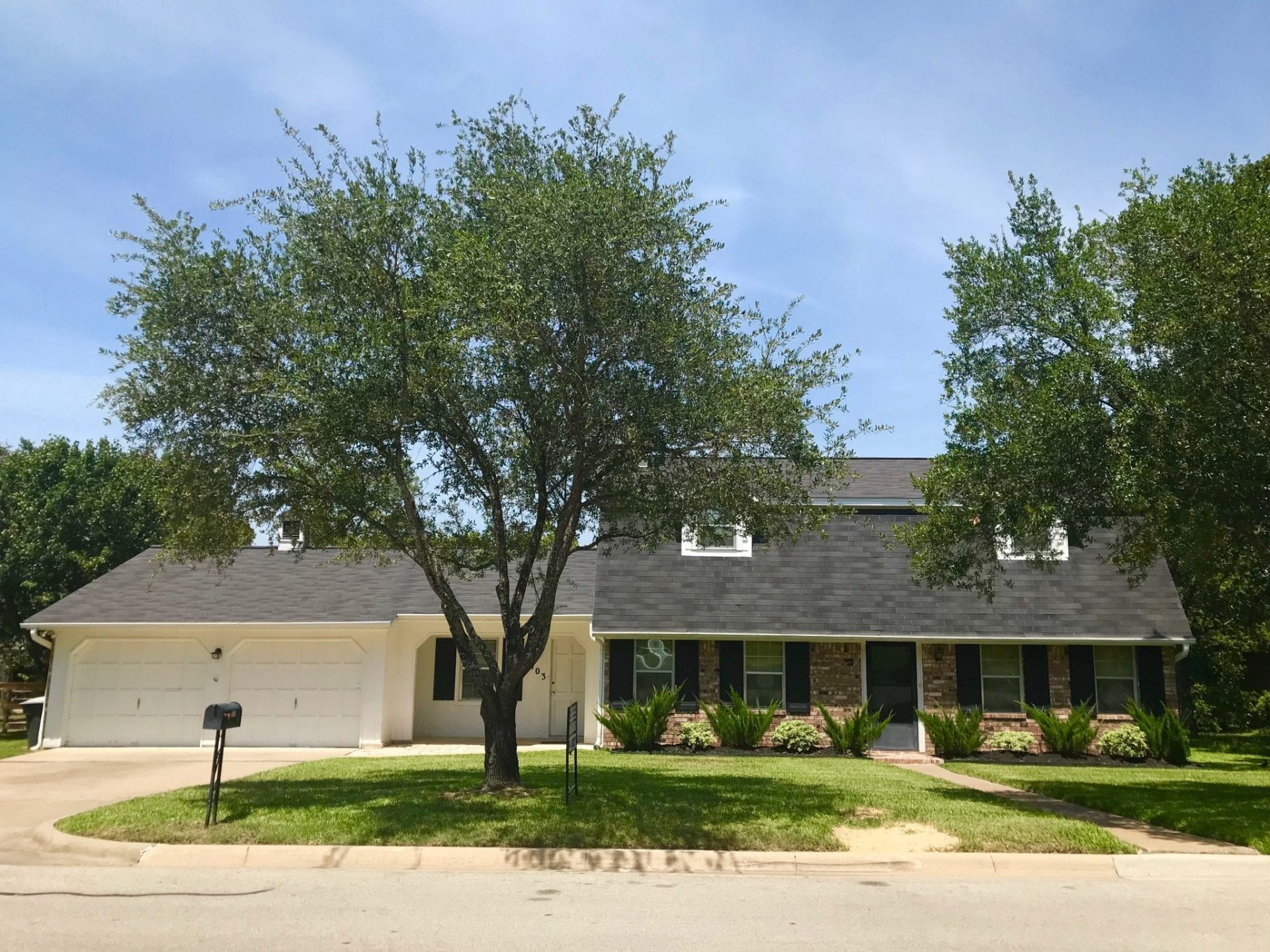4 bedroom and 3 bedroom houses in Southside…