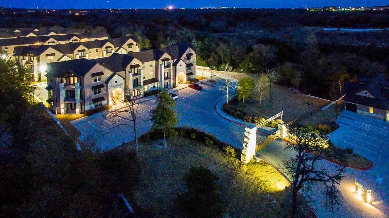 Luxury Living Condo with Gated Security, Lightning Speeds…